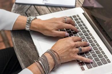 Come fare un curriculum: come creare il tuo CV [+ Esempi]