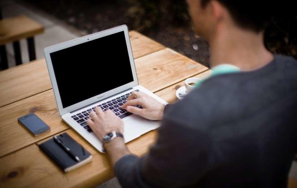 Curriculum per magazziniere: esempio e mansioni per il CV