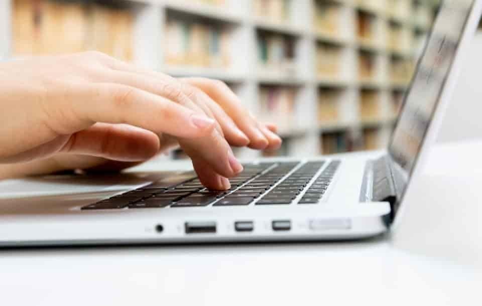 Curriculum da neodiplomato: esempio di CV per ex studenti