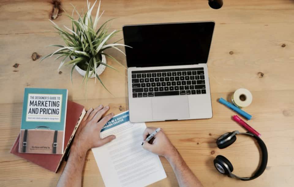 Come scrivere una lettera motivazionale (+esempio)